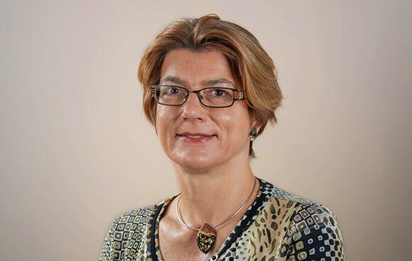 dr. Barbara Čenčur Curk